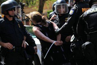 La ley migratoria del estado de Indiana otorga poderes extraordinarios a...