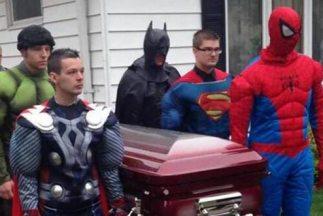 El funeral de Brayden Denton. Foto tomada de Twitter.