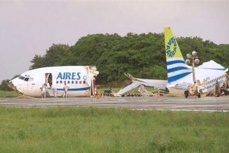 Un muerto y 120 heridos fue el saldo de un accidente de avión tras ser a...