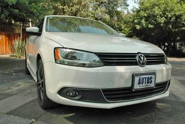 Para conmemorar los 200 años de la Independencia de México, Volkswagen h...