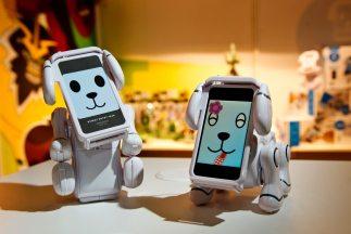 La más moderna tecnología, integrada a los juguetes, se exhibe en la Fer...
