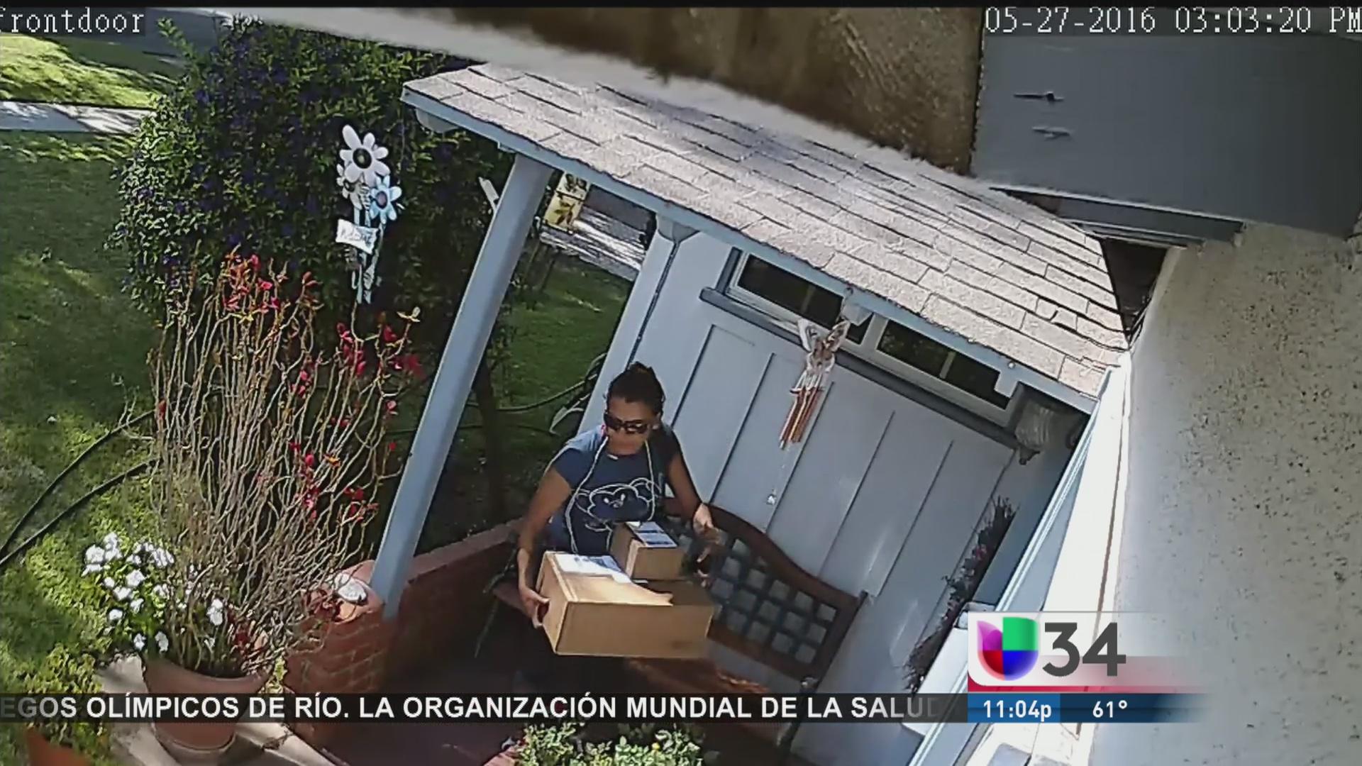 Hispana fue arrestada por robo de paquetería
