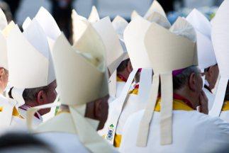 El cuestionario fue enviado a los obispos el 18 de octubre, de acuerdo a...