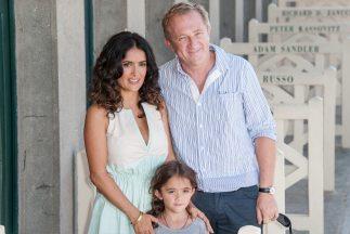 La pequeña Valentina Paloma se ha convertido en la traductora de su famo...