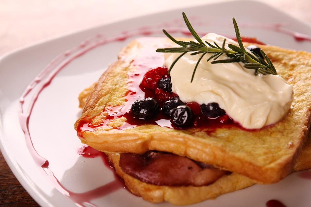 Seis complementos deliciosos para tu pan franc s univision for Desayuno frances tradicional
