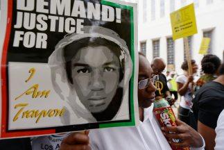 Zimmerman mató aladolescente negro de 17 años Trayvon Martin y fue absu...