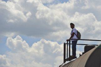 Brandon se sumó a un grupo de cuatro jóvenes hondureños que conoció por...