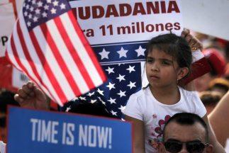 Al menos 11 millones de inmigrantes sin papeles de estadía legal en Esta...
