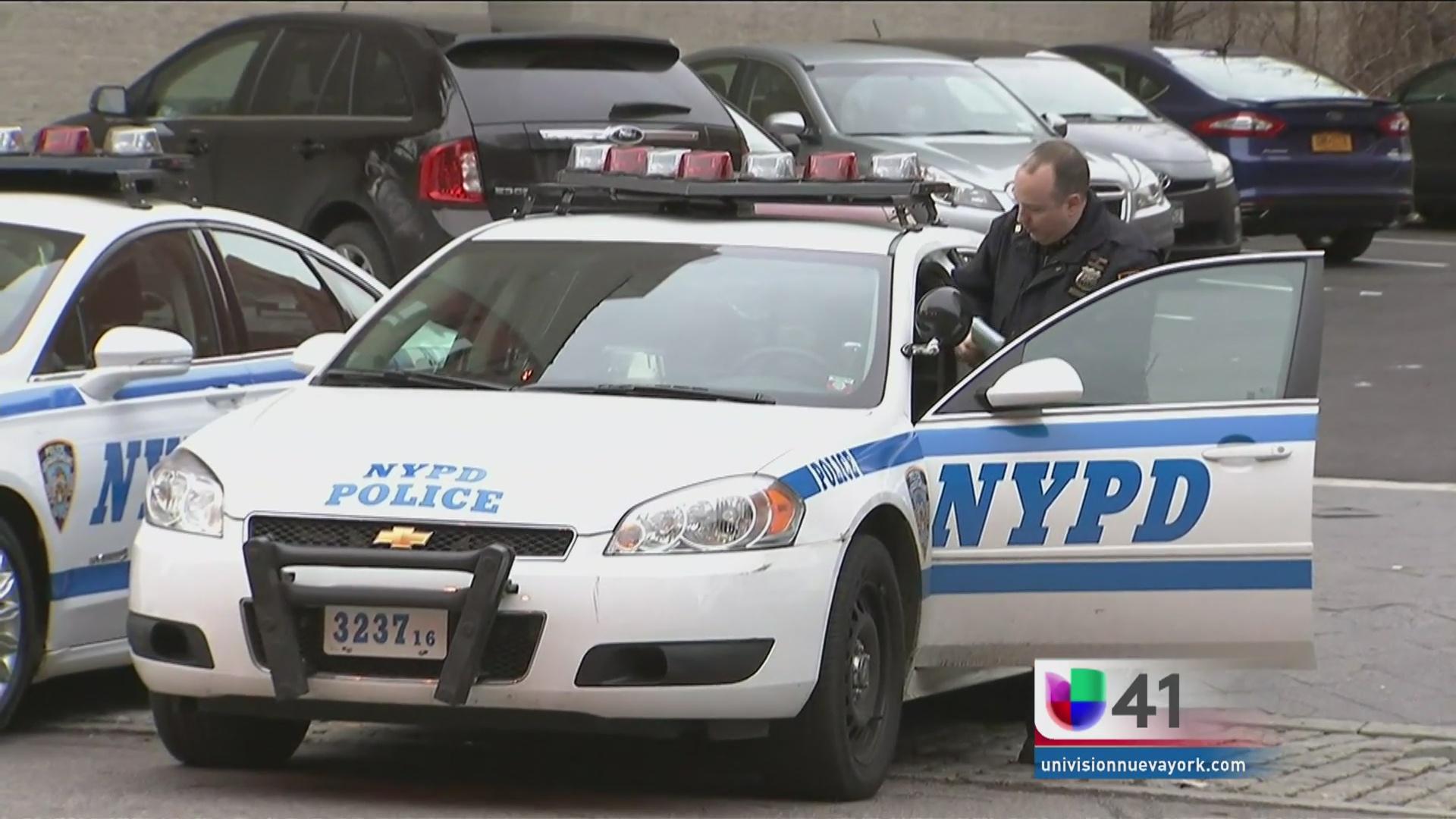 Policías latinos salvaron a mujer de quitarse la vida