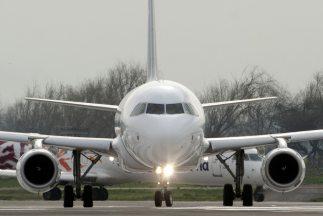IATA, que representa a unas 200 empresas, dice que el retraso en aprobar...