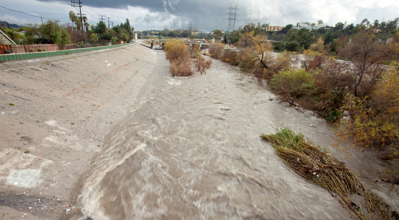 Los ngeles llena sus dep sitos de agua de lluvia aunque - Deposito de agua de lluvia ...