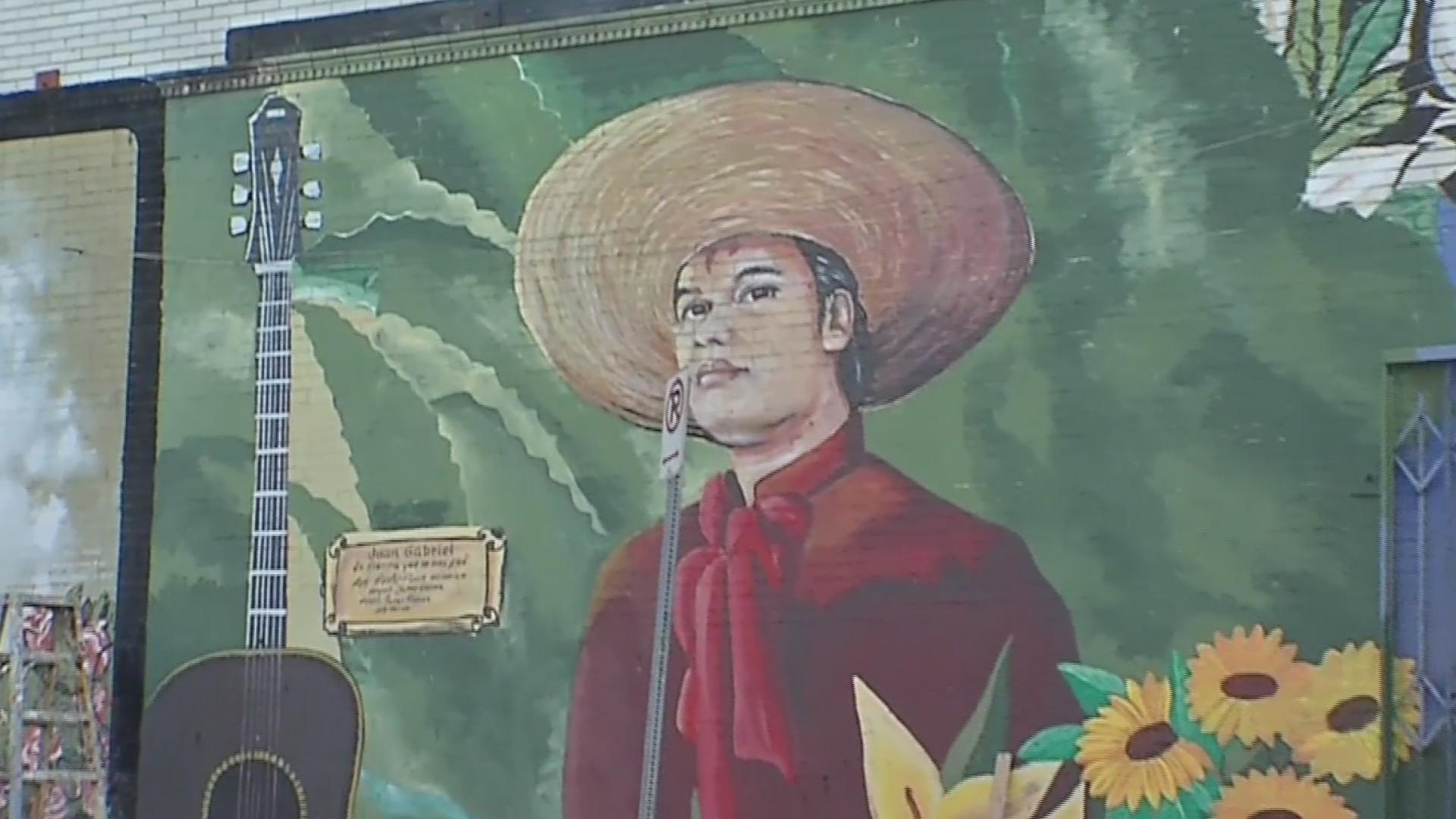 Cu Nto Cuesta Crear Un Mural De Juan Gabriel Univision