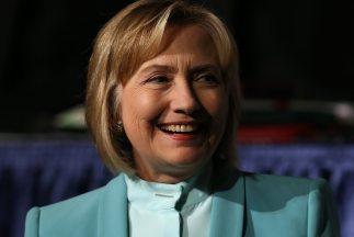La exsecretaria de Estado Hillary Clinton regresó a la esfera pública.