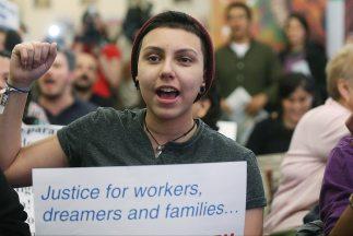 El plan migratorio del presidente Barack Obama incluye una vía hacia la...