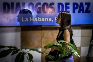 El gobierno colombiano y las FARC decidieron aplazar hasta el 28 de juli...
