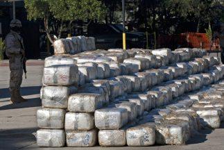 Las autoridades de México y Estados Unidos hallaron 26 toneladas de maro...
