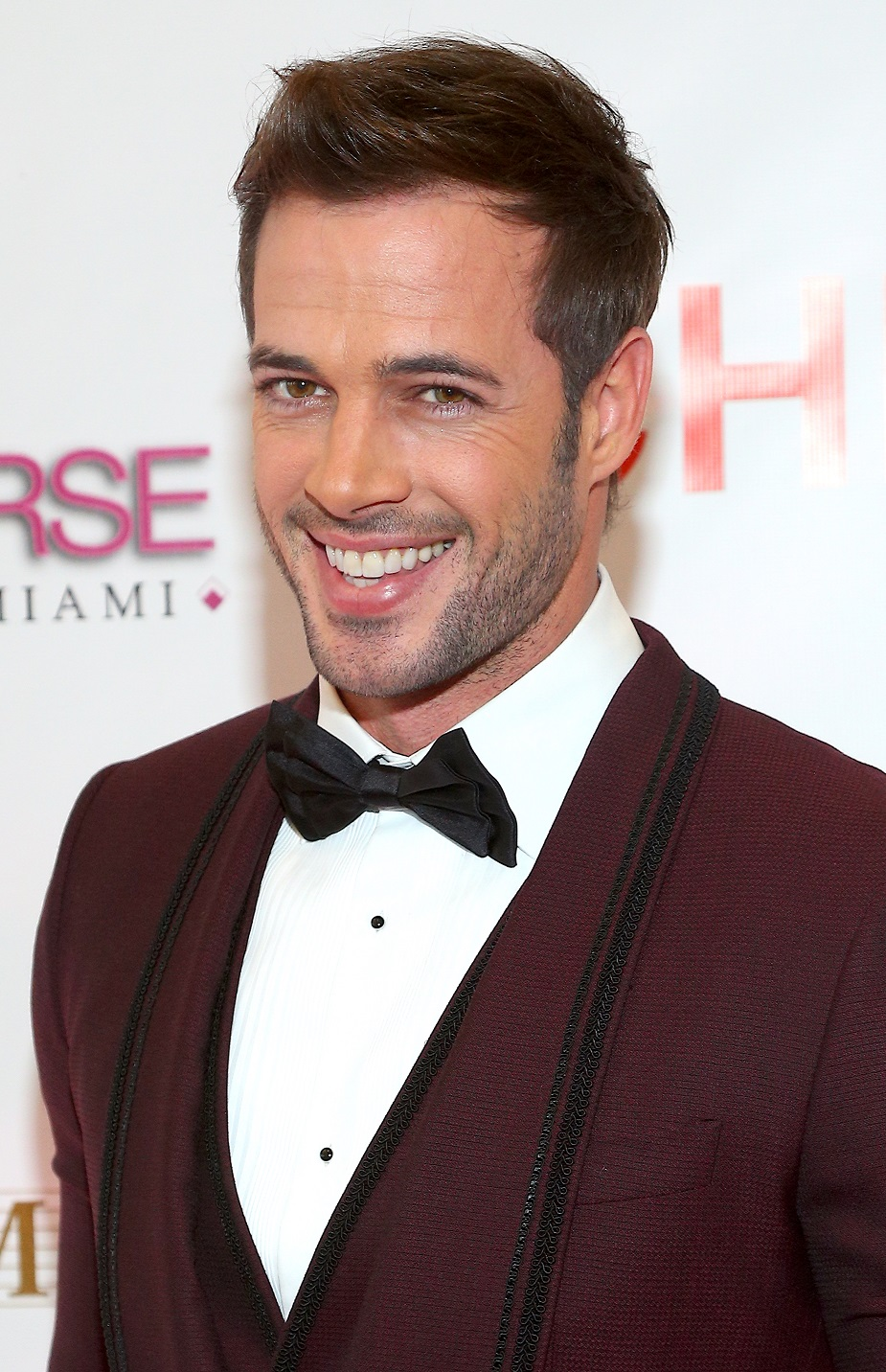 bdf77ad7c5e Fotos william levy en traje de bao