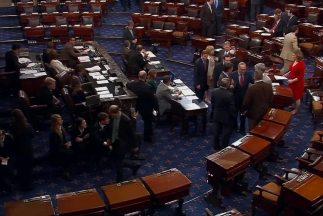 Senado aprueba enmienda que mantiene viva reforma migratoria