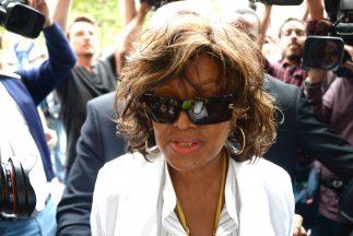 Katherine Jackson, de 83 años, madre del cantante pide una compensación...