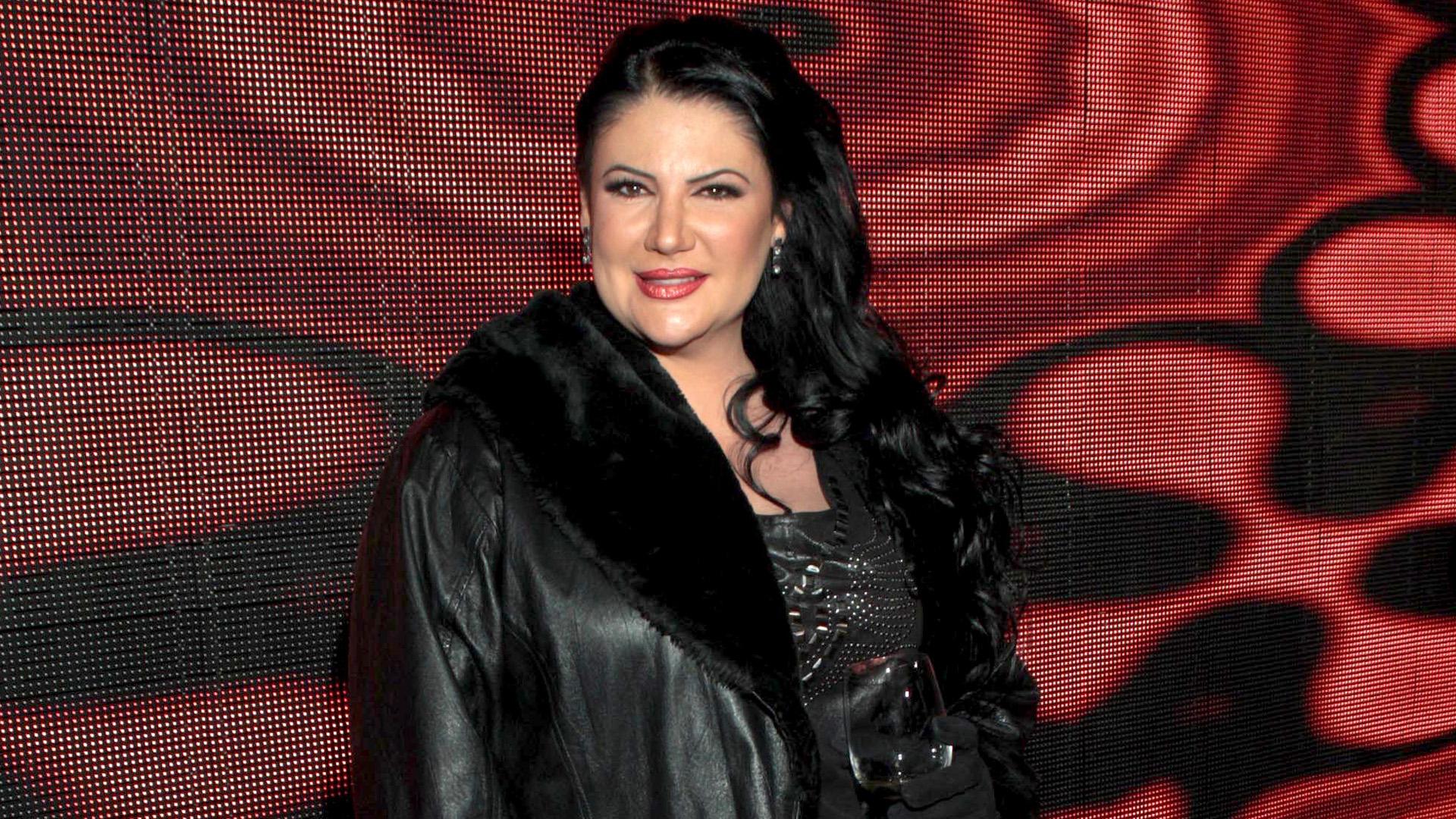Alejandra avalos afronta con dignidad sus kilos y su edad univision