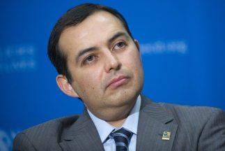 El aspirante a la candidatura presidencial del oficialista PAN, Ernesto...