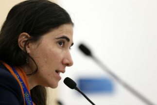 Yoani Sánchez sigue en su gira internacional.