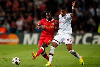 El cuadro 'rossonero' no logró mantener la mínima ventaja en casa del PS...