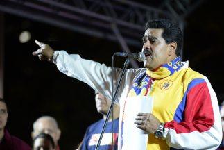 Maduro lanzó una advertencia a los 77 nuevos alcaldes electos surgidos d...
