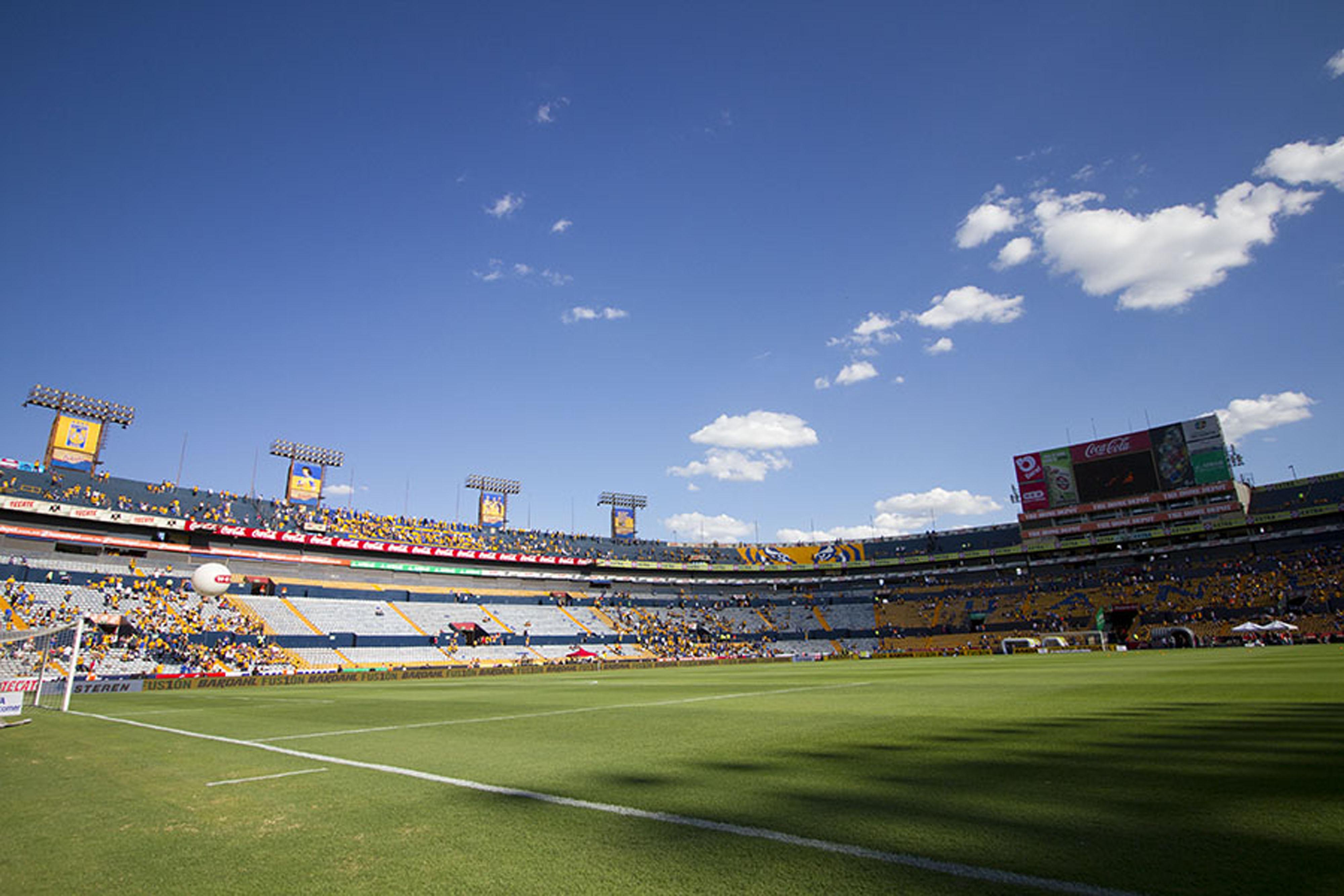 Tigres buscar remodelar el estadio universitario en el for Puerta 9 estadio universitario