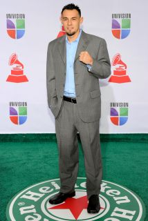 Robert Guerrero llegó a Las Vegas y prometió acabar con el reinado de Fl...