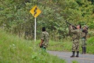 Dos civiles resultaron heridos por la explosión de una carga que presunt...