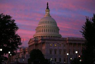 El gobierno federal tampoco podría pagar los salarios de miles de funcio...
