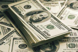 Siete empleados del Banco Central de Albania han sido detenidos y acusad...