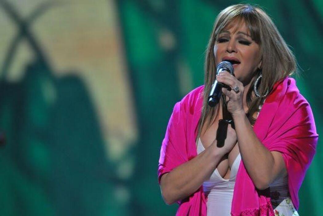 Siempre recordaremos a Jenni Rivera, toda una bomba musical llena de ent...