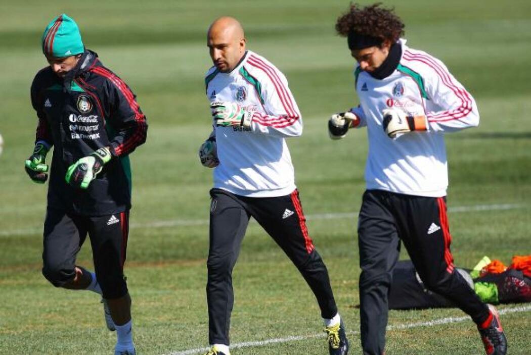 En el Mundial de Sudáfrica 2010, Guillermo Ochoa fue nuevamente suplente...