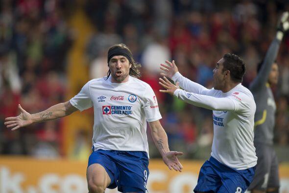 Mariano Pavone ha metido pocos goles en este 2014, pero el de hoy valió...