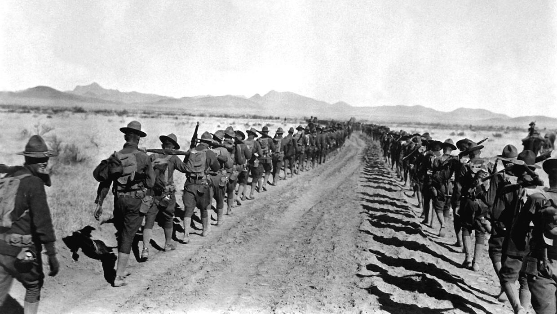 Soldados estadounidenses retornan a EEUU el 27 de enero de 1917 tras cas...