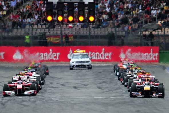 La parrilla de salida tuvo a Vettel en el Red Bull y a Fernando Alonso e...
