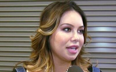 Chiquis Rivera nos dijo cómo le va haciendo el papel de mamá para sus he...