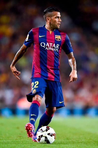 El brasileño Dani Alves, que en la última temporada fue mu...