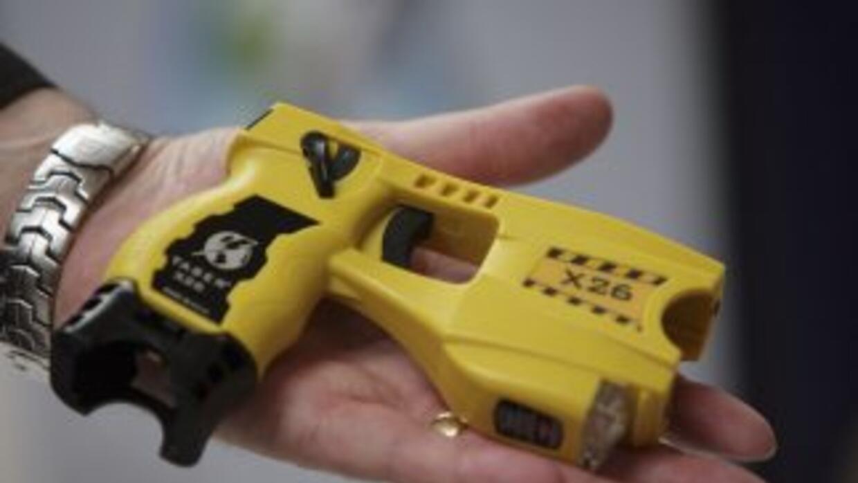 Datos indican que en el 2010 oficiales usaron dicha pistola en 683 ocasi...