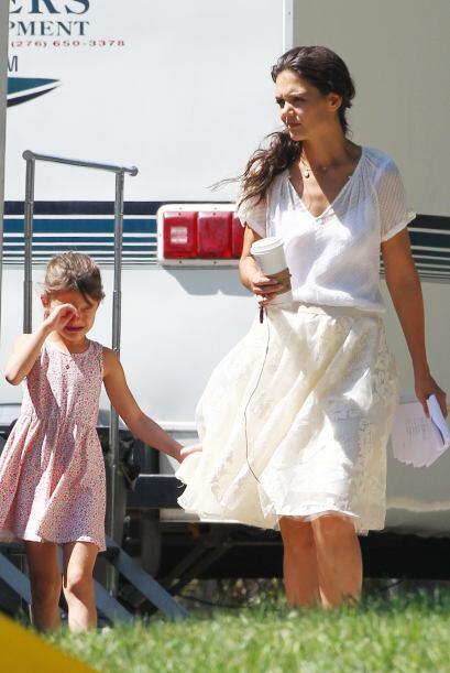 Aunque Suri es hija de dos estrellas de cine sigue siendo una niña común...