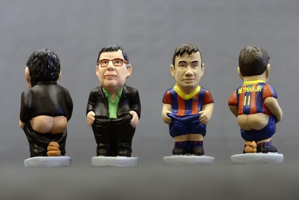 Junto on Neymar otro recién llegado al Barcelona, el técnico Gerardo 'Ta...