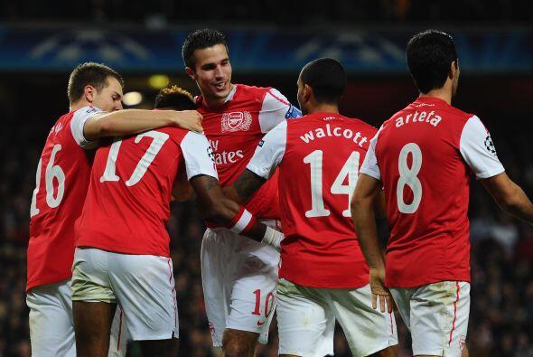 El triunfo quedó en manos del Arsenal por 2-0 y así asegur...