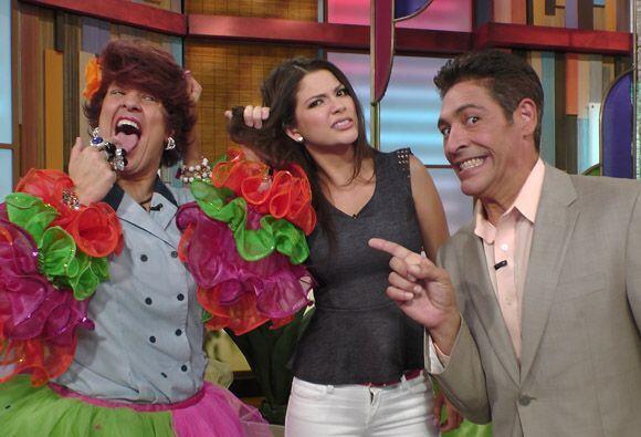 Johnny no tendrá el voto de Doña Meche y Ana, por llamarla ridícula, se...