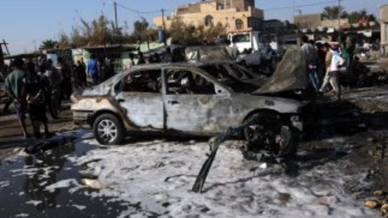 La matanza comenzó en la mañana con el estallido de un vehículo estacion...