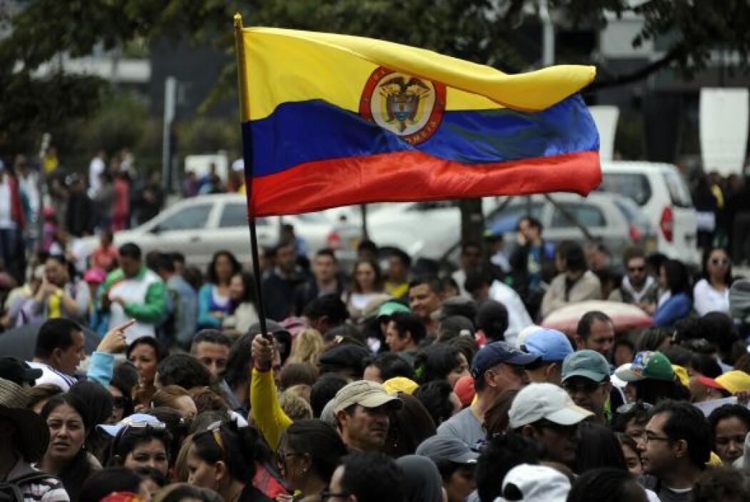Unos 330 mil maestros iniciaron un paro indefinido en Colombia desde el...