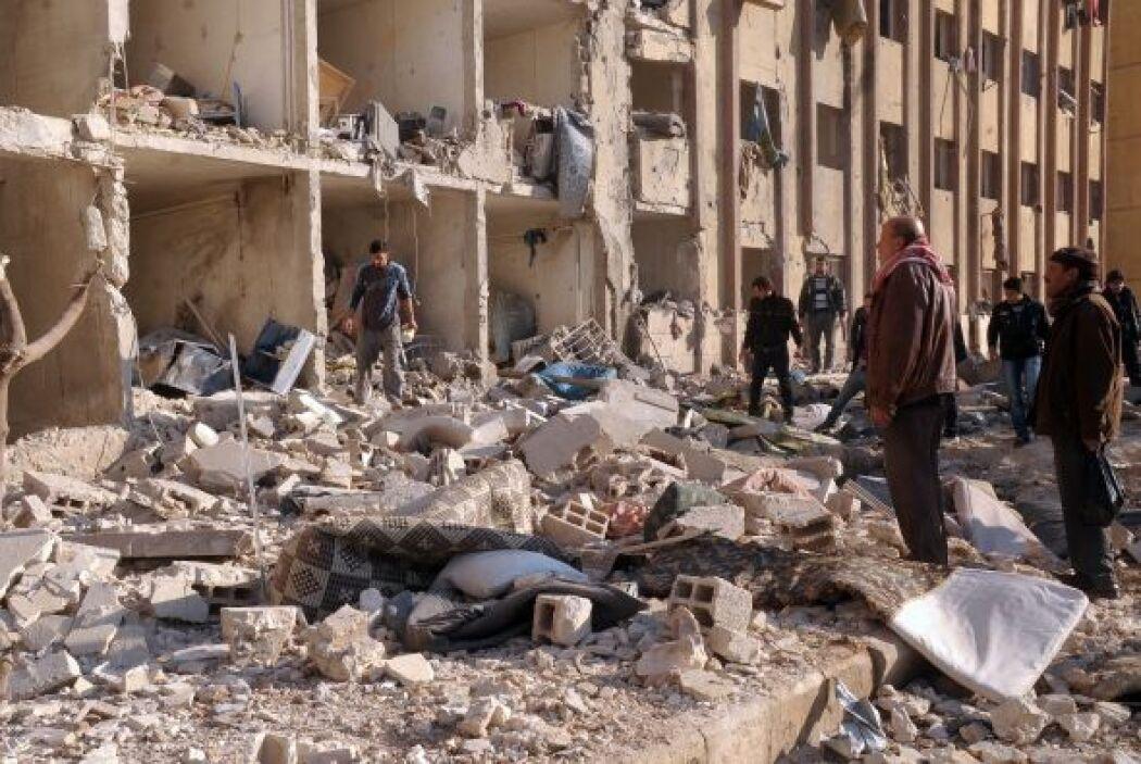 Al menos 24 personas, en su mayoría soldados del régimen sirio, murieron...
