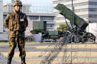 Dos unidades dotadas de sistemas de misiles tierra-aire Patriot Advanced...