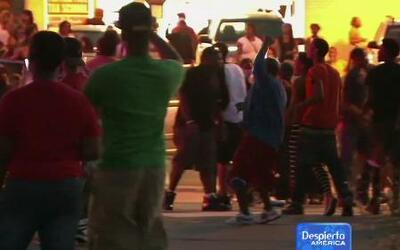 Histeria colectiva en Missouri por muerte de adolescente a manos de policía